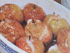 Pomme rôtie au vin rouge